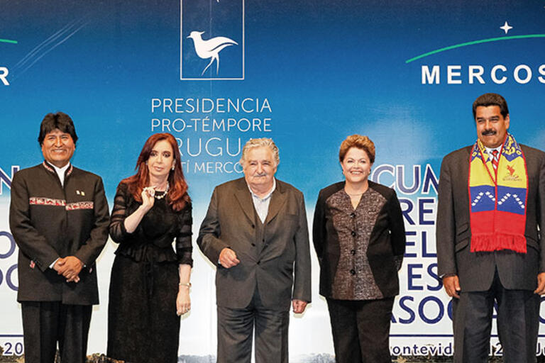 From left: Presidents Evo Morales, Cristina Fernández de Kirchner,  José Mujica, Dilma Rousseff, and Nicolás Maduro