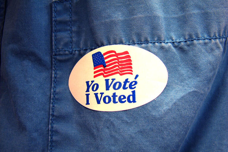 I voted, Yo voté sticker
