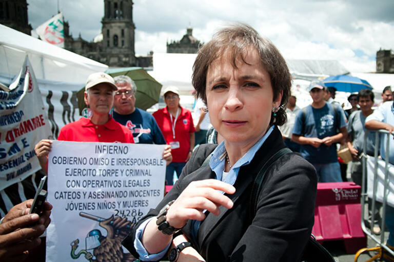 Picture of Carmen Aristegui at a protest