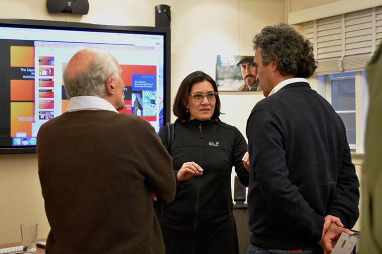 María Inclán discussing facing the photo