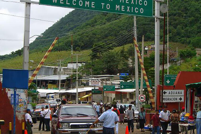 The border between Mexico and Guatemala. (Photo by Joachim Pietsch.)