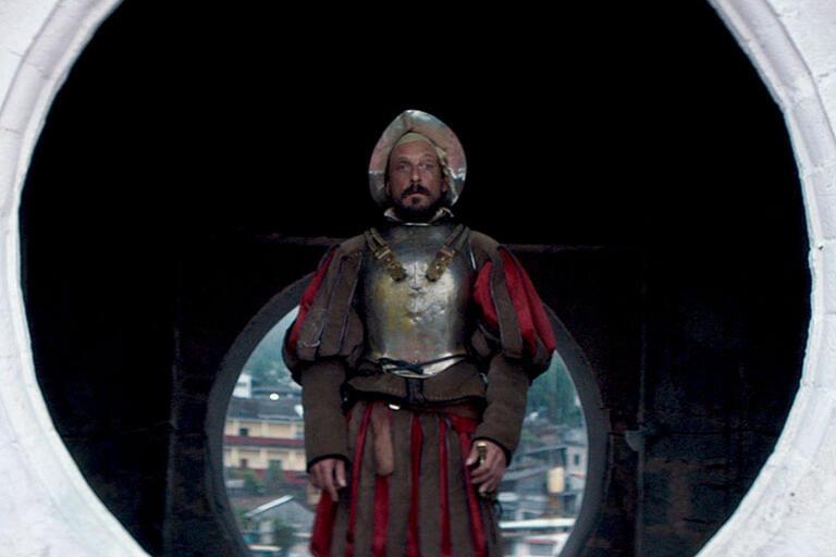"Eduardo San Juan dressed as Hernán Cortez in ""499"""