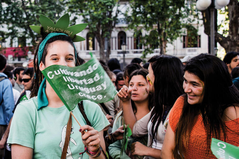 """Young women during """"The Last March With Illegal Marijuana,"""" which took place on the day  the Uruguayan Senate voted on the Marijuana Regulation Law. (Photo by Gonzalo G. Useta.)"""