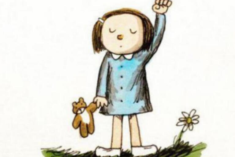 Child holding a teddy bear with her fist in the air, with the text Ni Una Menos
