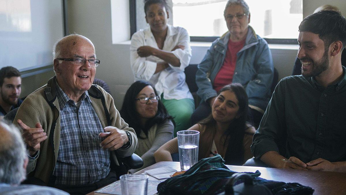 Ricardo Falla speaks with Berkeley students, September 2016. (Photo by Jim Block.)