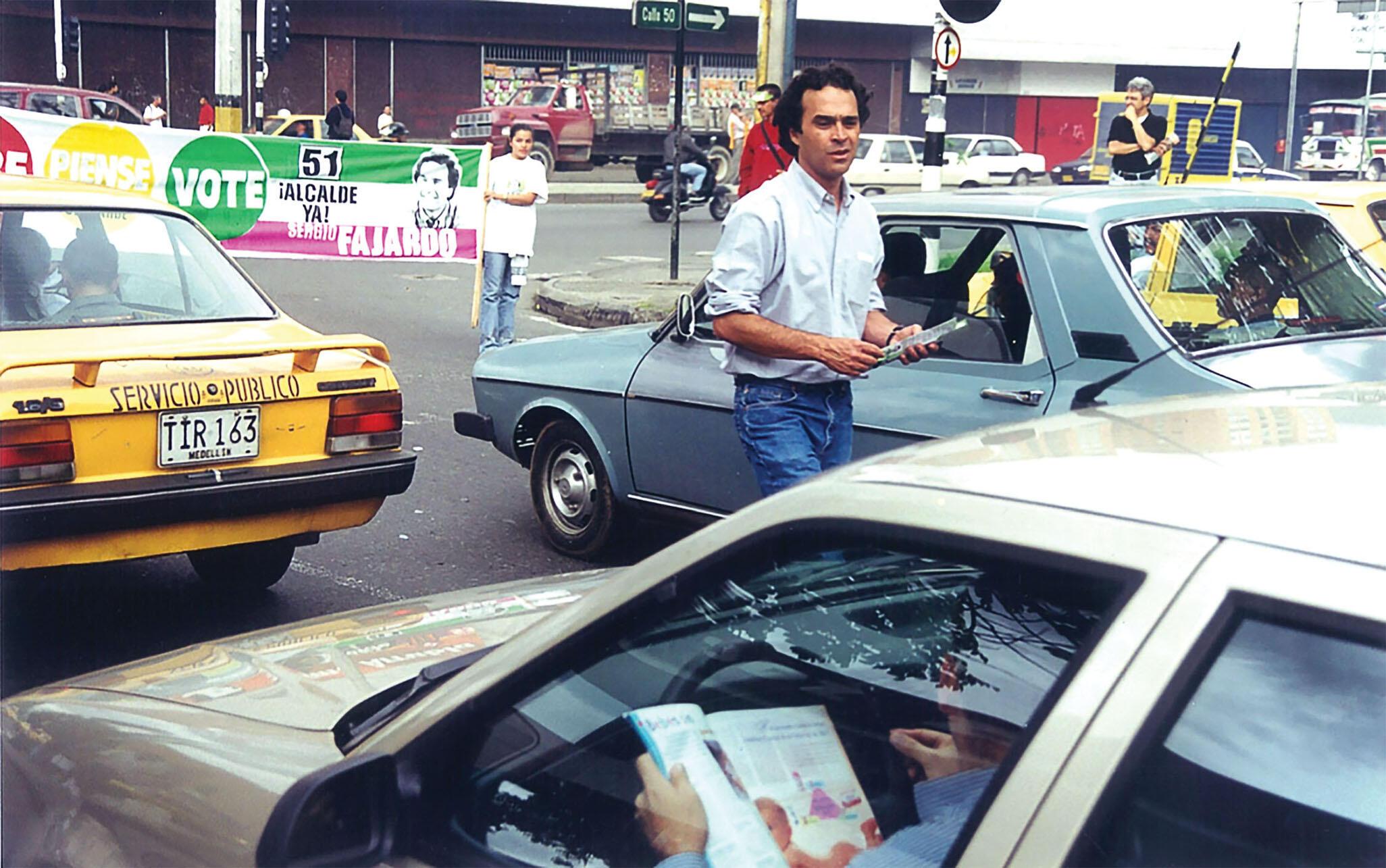 Sergio Fajardo on the campaign trail in Medellín in 1999. (Photo courtesy of Sergio Fajardo.)