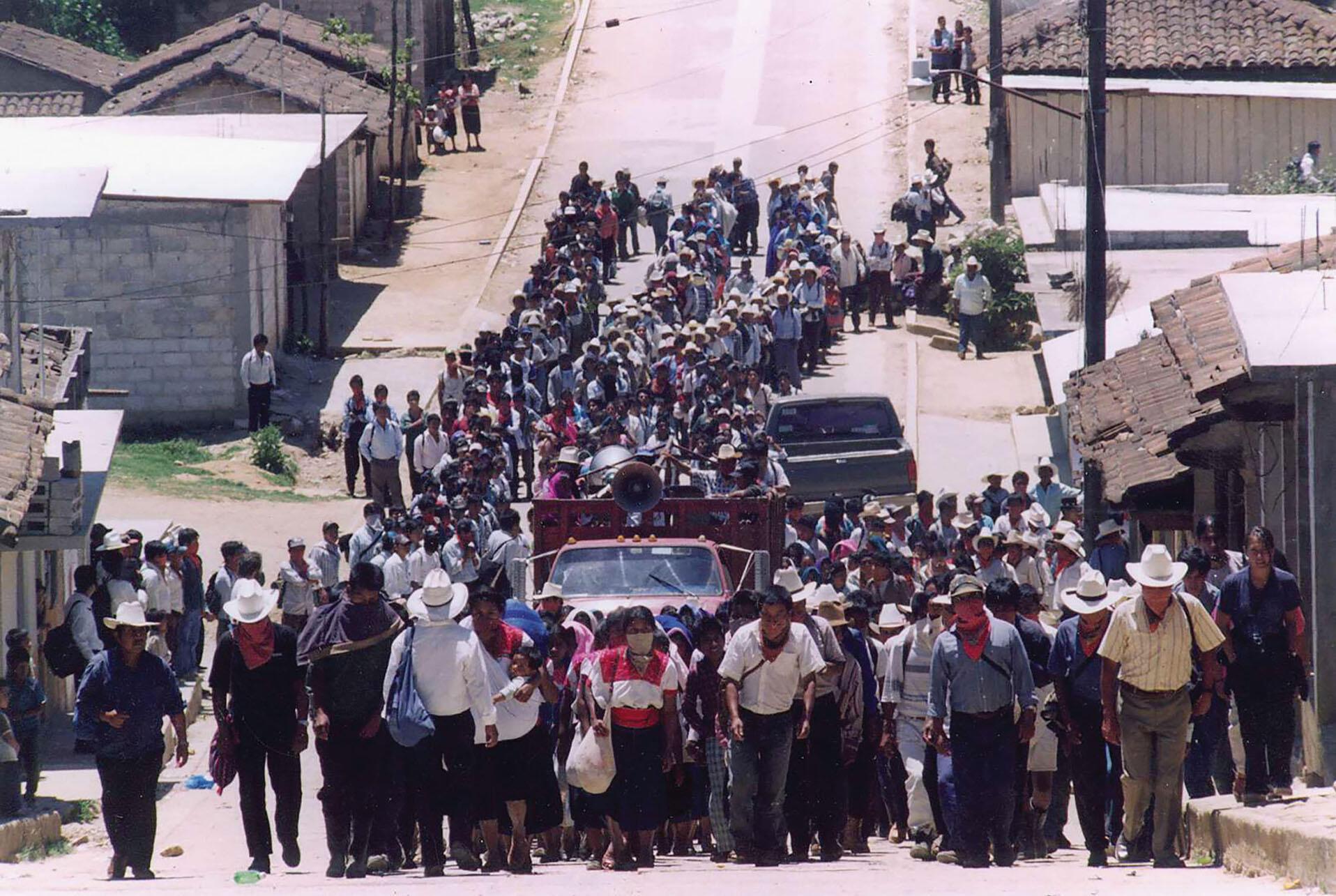 A march by Zapatistas in Chiapas, 1999. (Photo by César Bojórquez.)