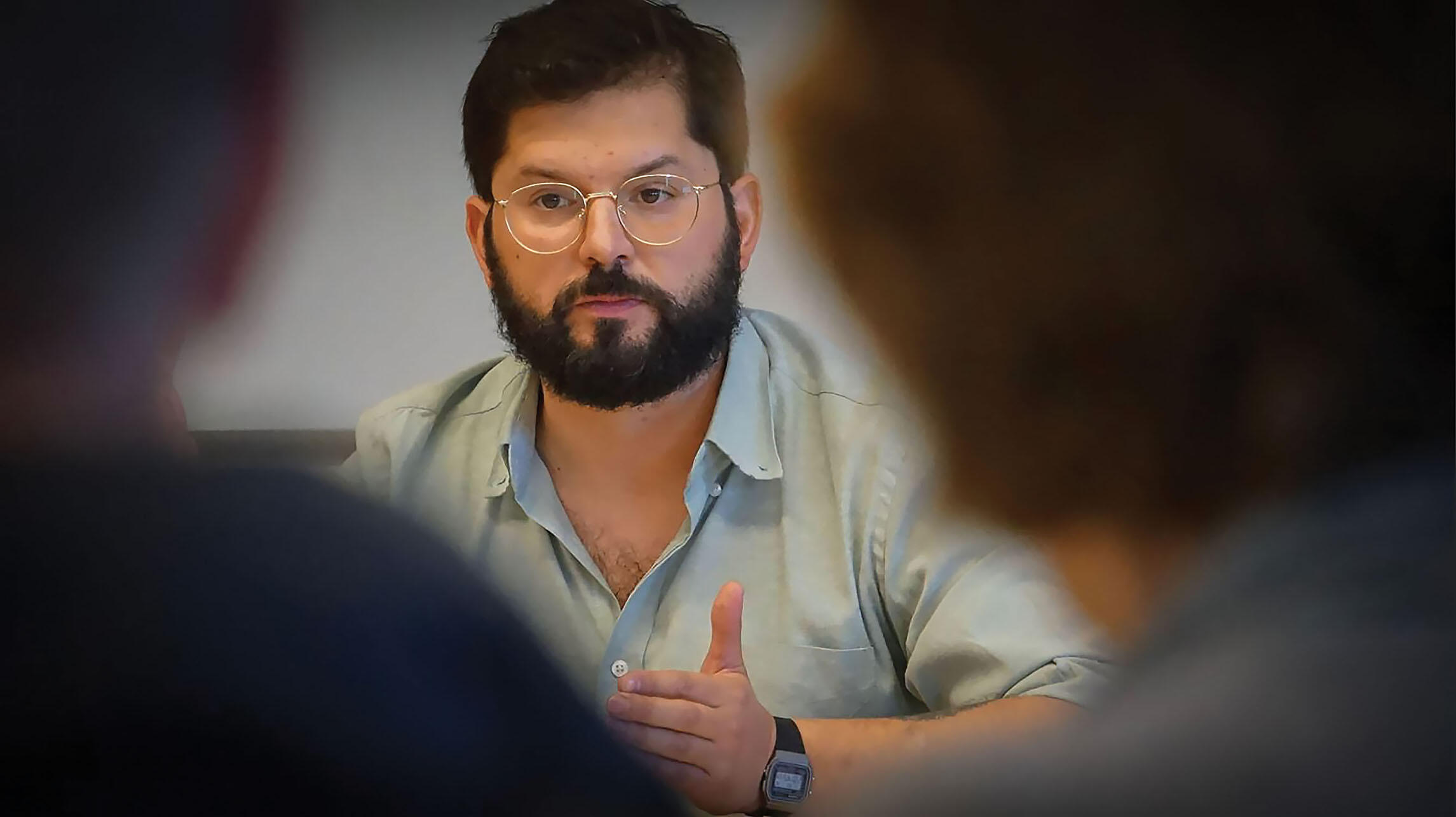 At UC Berkeley, Gabriel Boric explains the drive to re-write Chile's Constitution in 2020. (Photo by Nico Novoa-Marchant - www.sdpaudiovisual.com.)