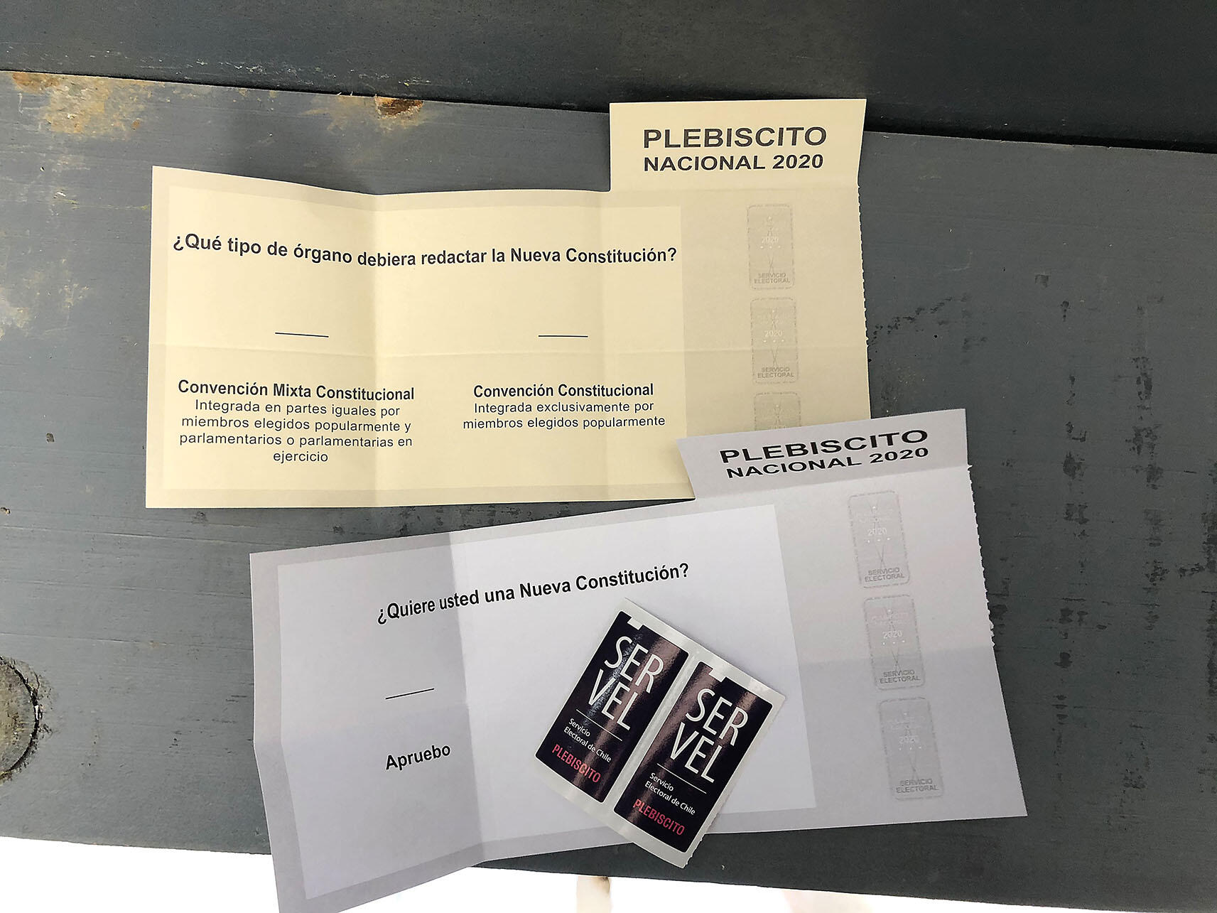 The two parts of the ballot for Chile's October 2020 constitutional plebiscite. (Photo by Janet Waggaman.)