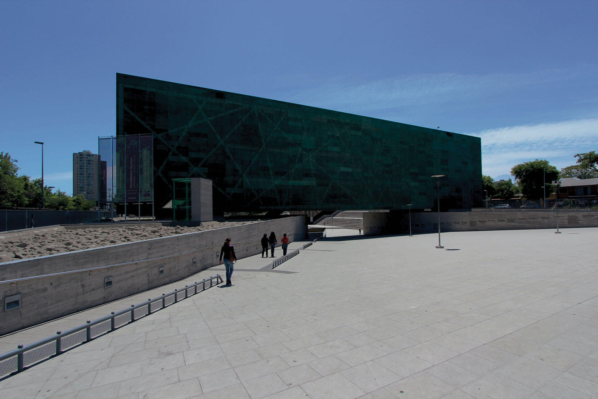 The Museo de la Memoria y los Derechos Humanos (Museum of Memory and Human Rights) in Santiago, Chile. (Photo by throgers.)