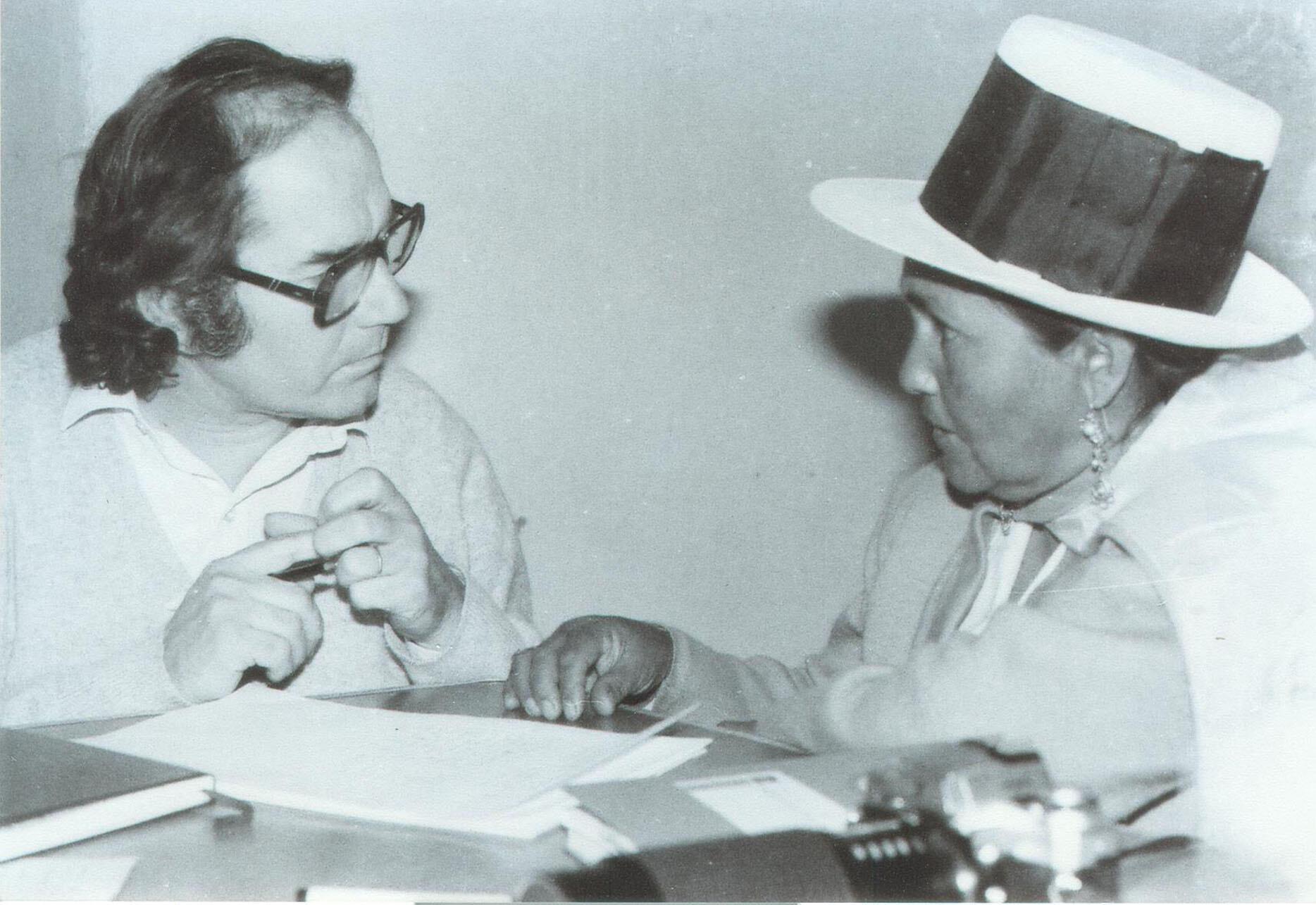 "In 1985, Argentine artist Adolfo Pérez Esquivel meets ""Mamá Angélica"" in Peru. (Photo by Käthe Meentzen.)"